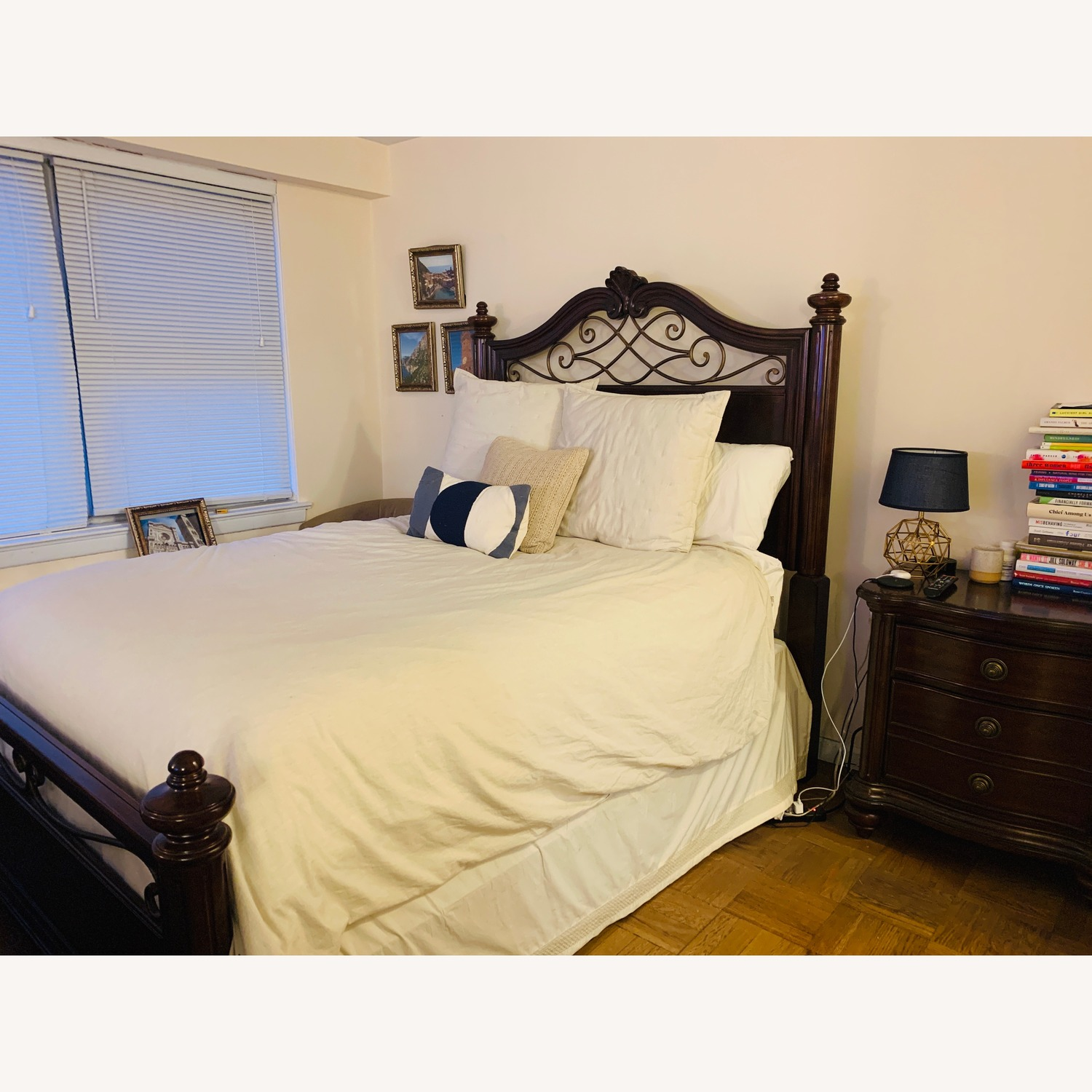 Raymour & Flanigan Queen Bed Wood Frame