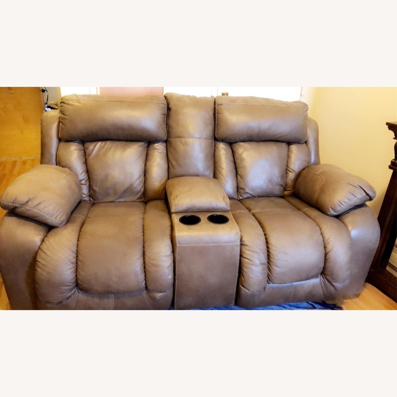 Ashley Furniture Darshmore Glider Reclining Loveseat
