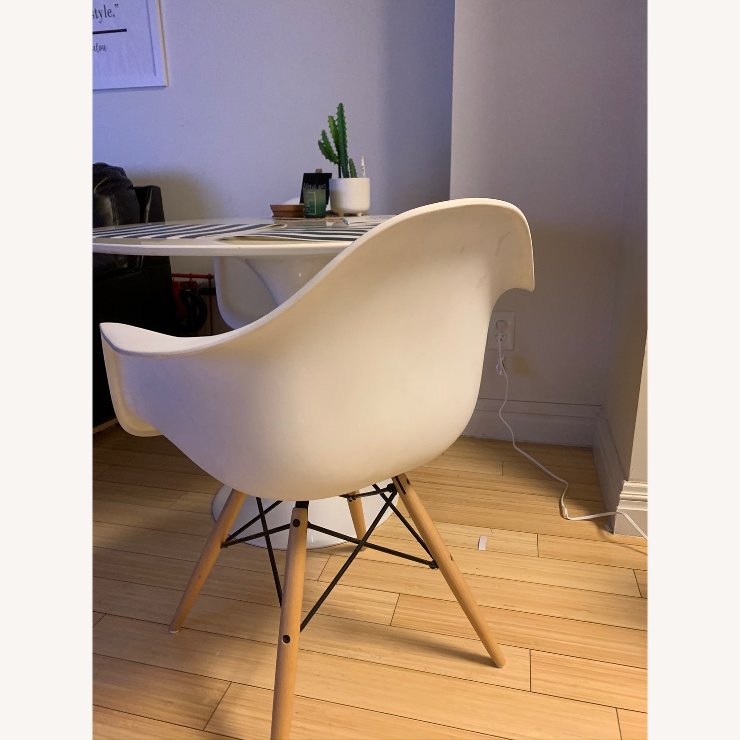 Poly and Bark Modern Mid-Century Vortex Arm Side Chair