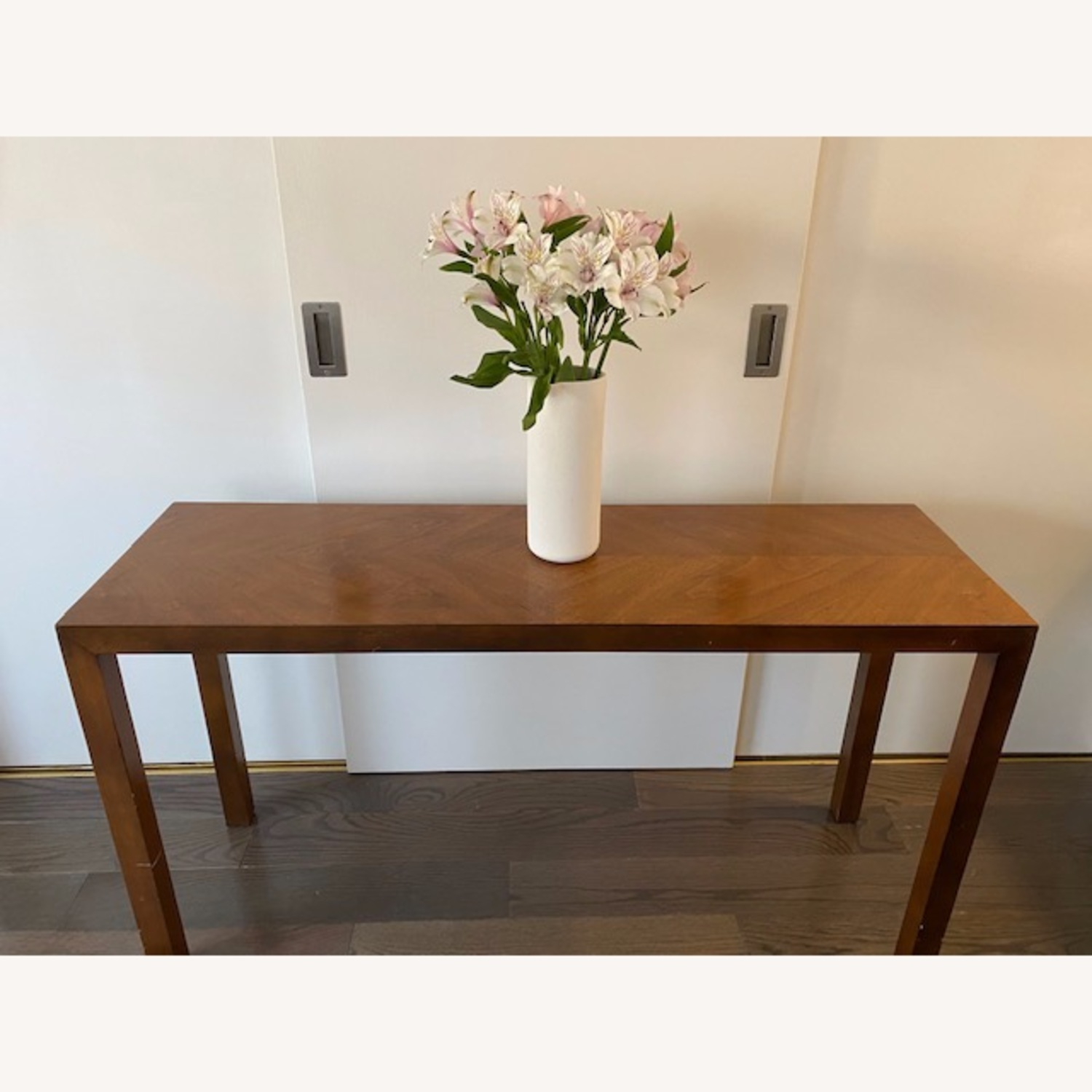 Lane Parsons Table Exquisite Solid Wood Pattern - image-1