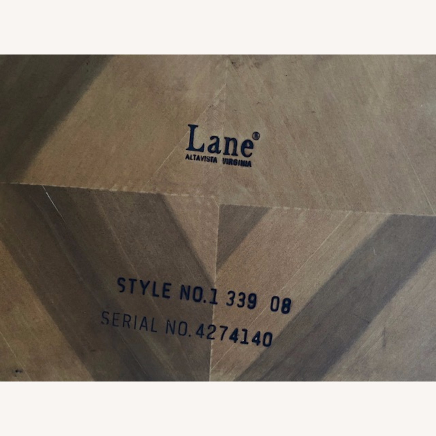 Lane Parsons Table Exquisite Solid Wood Pattern - image-3