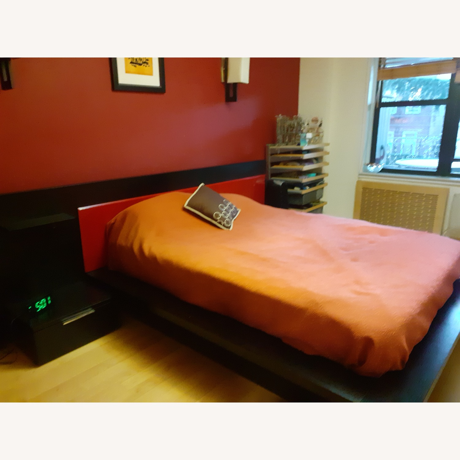 Bed with Storage - image-2