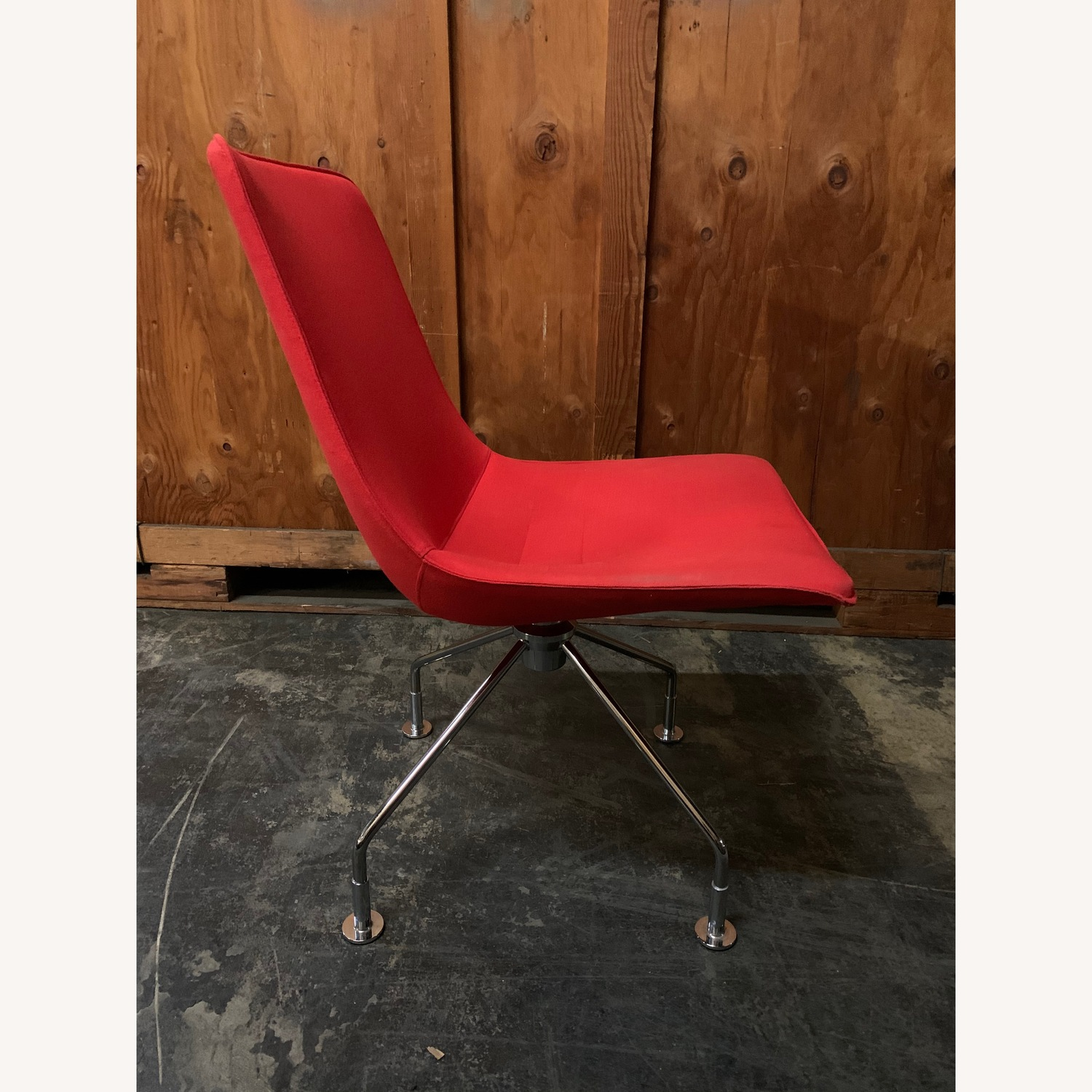 Lammhults Comet Lounge Chair - image-2
