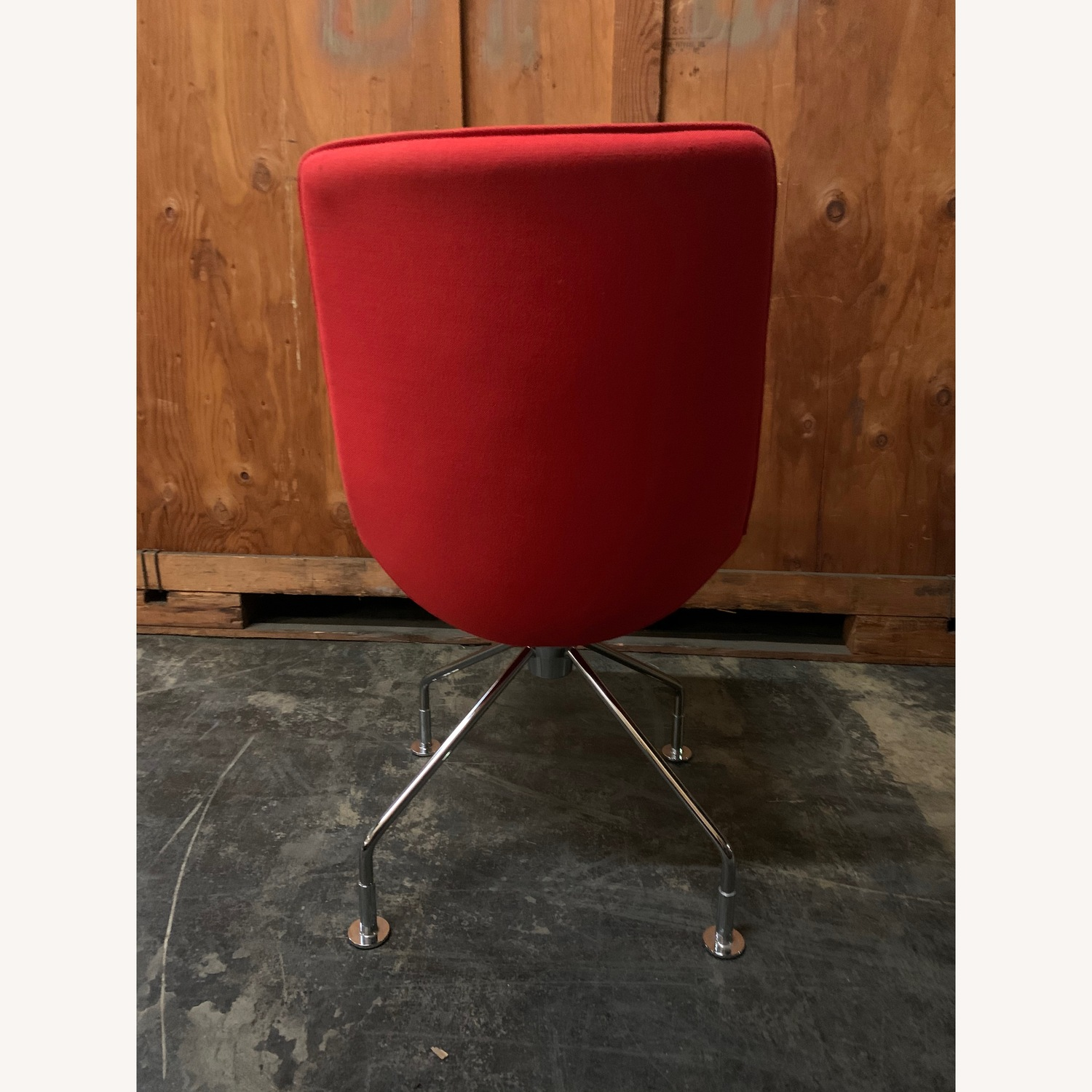 Lammhults Comet Lounge Chair - image-1