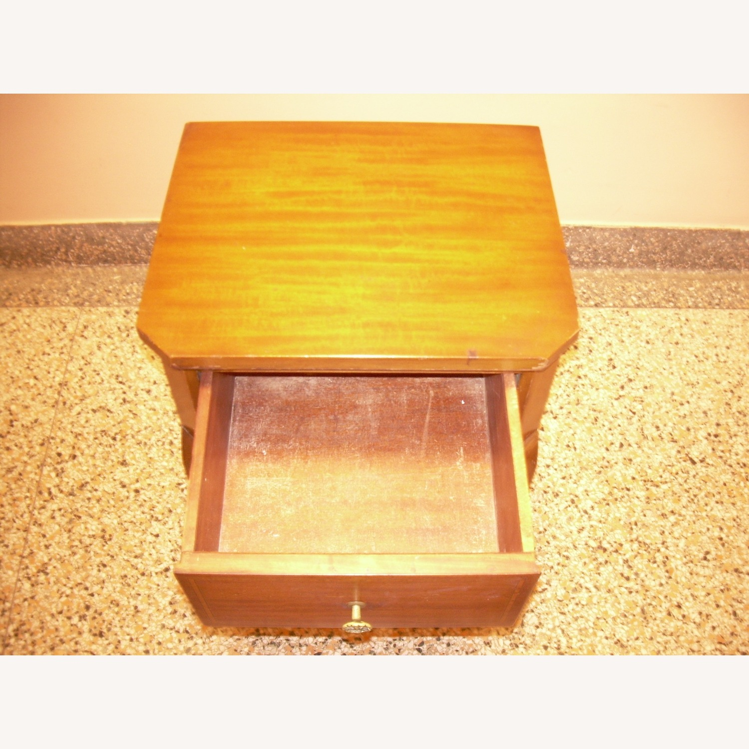 Entrance Stand Table - image-6