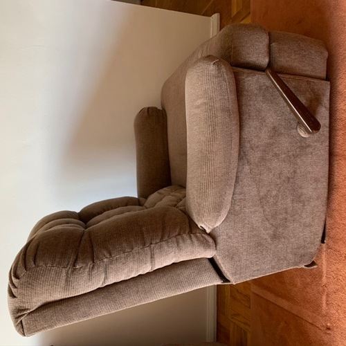 Used Comfortable Recliner Chair for sale on AptDeco
