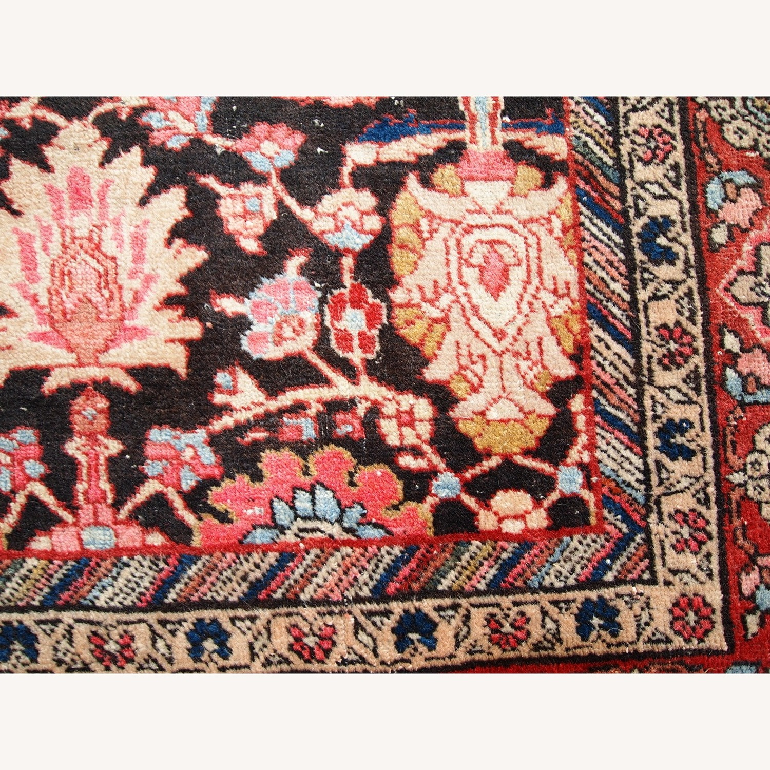 Handmade Antique Persian Bidjar Rug - image-7