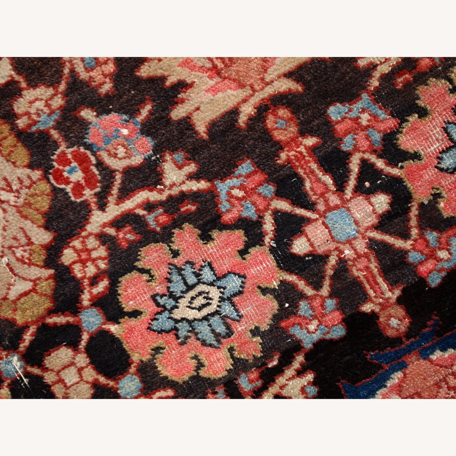 Handmade Antique Persian Bidjar Rug - image-5