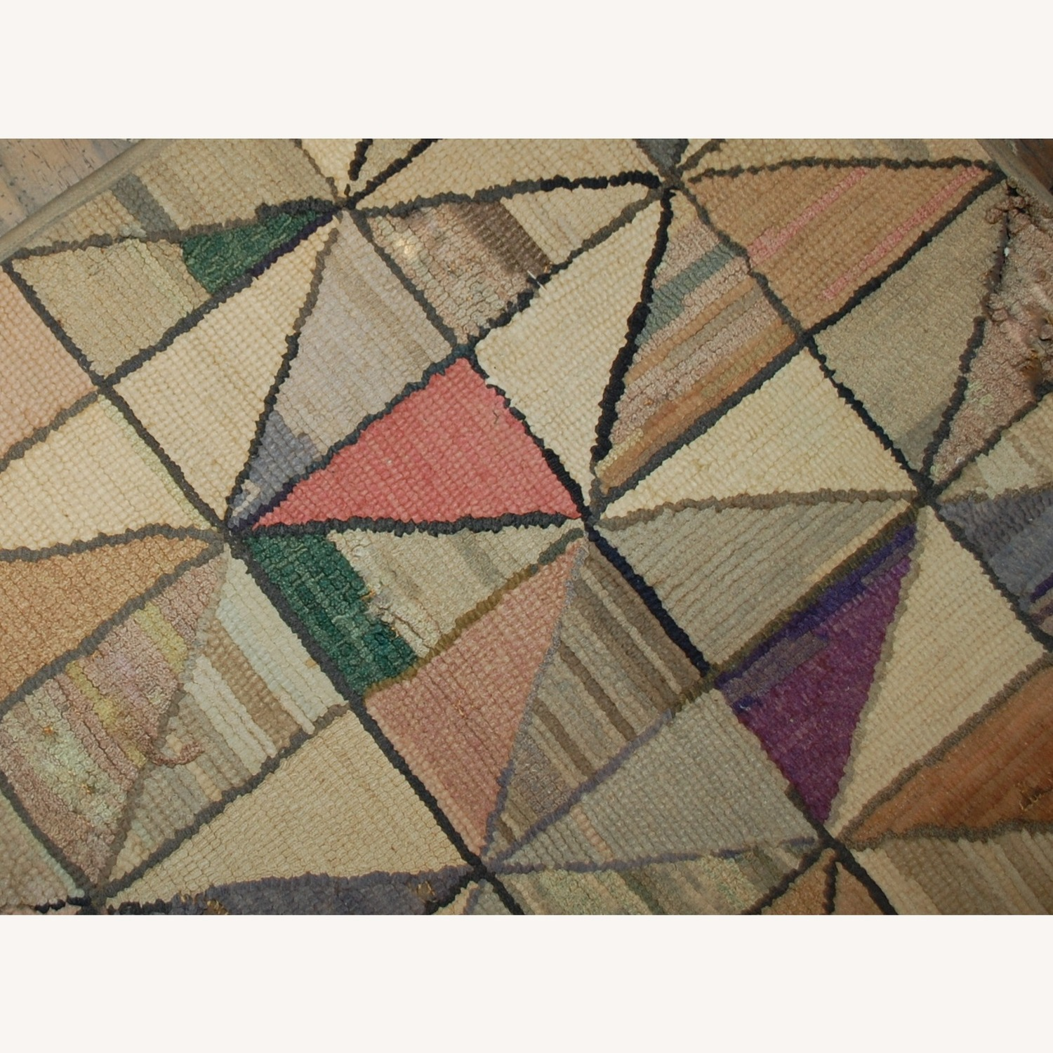 Handmade Antique Square American Hooked Rug - image-2