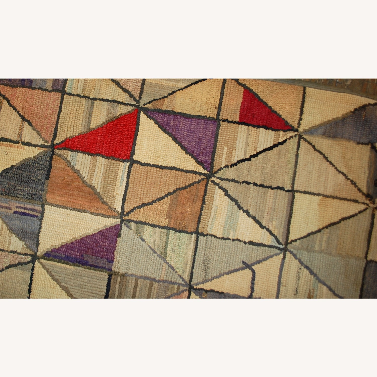 Handmade Antique square American Hooked Rug - image-5