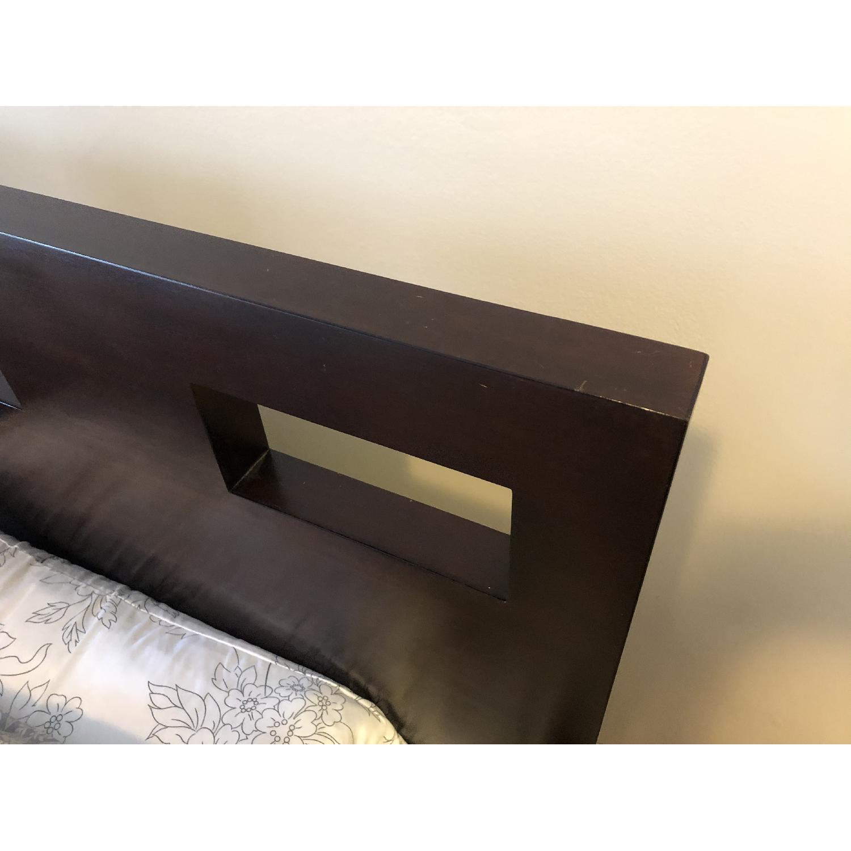 Riva Queen Platform Bed - image-5