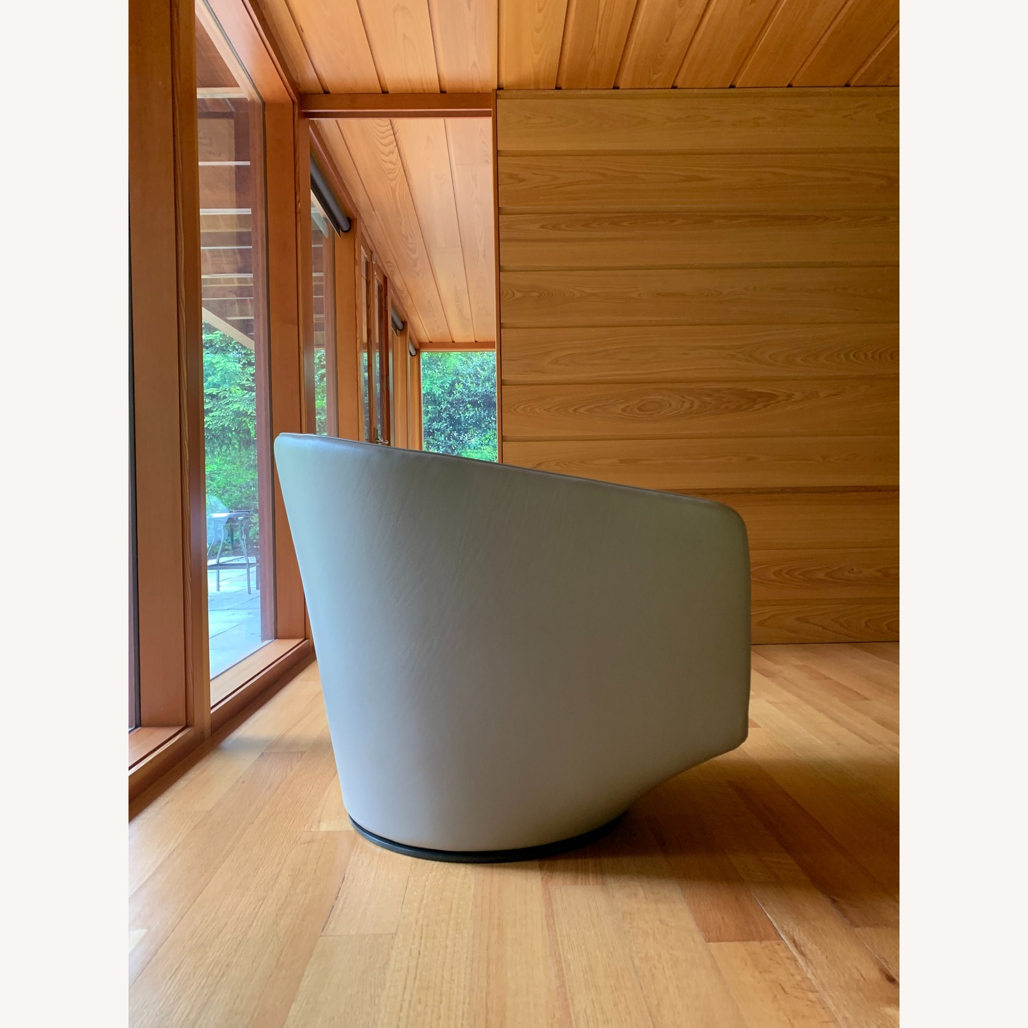 Design Within Reach Exclusive U Turn Swivel Chair - image-4