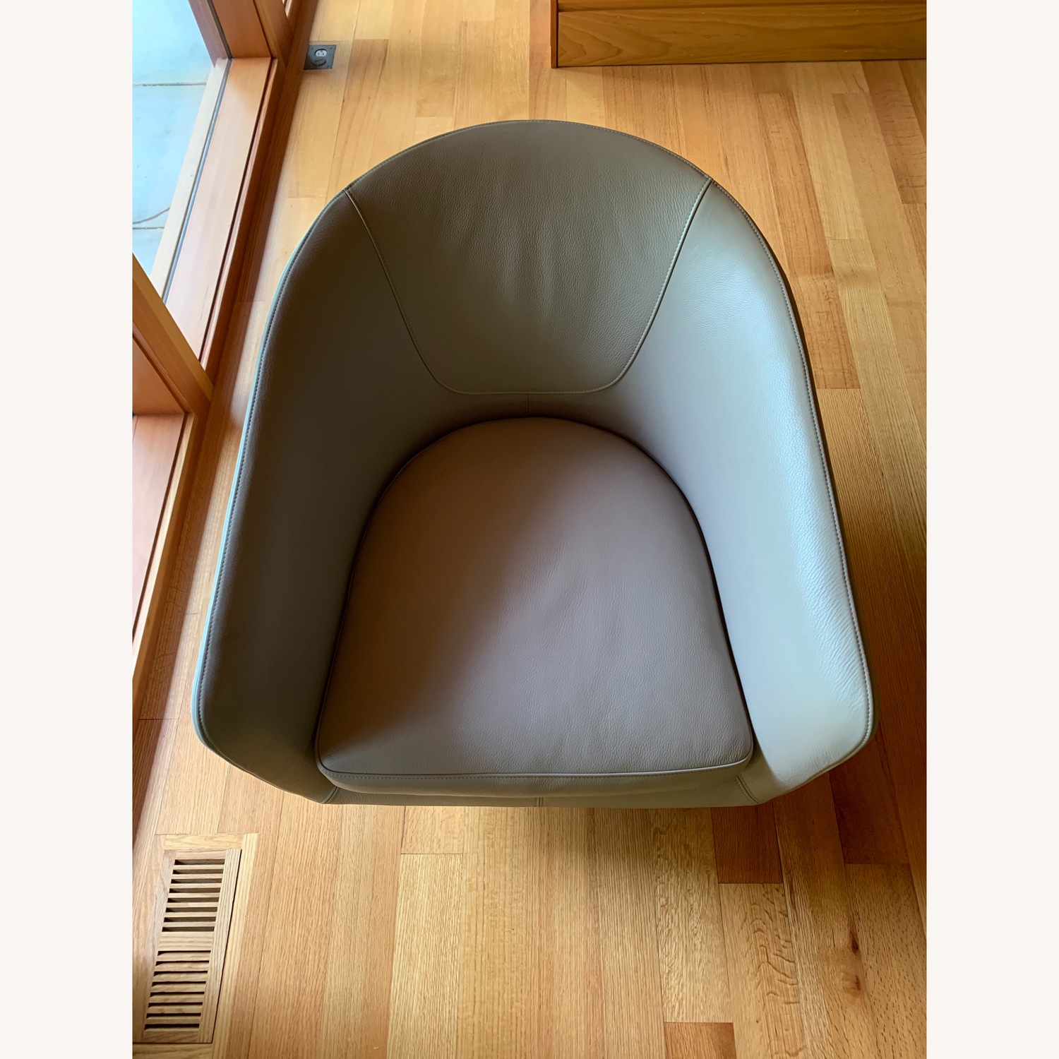 Design Within Reach Exclusive U Turn Swivel Chair - image-9