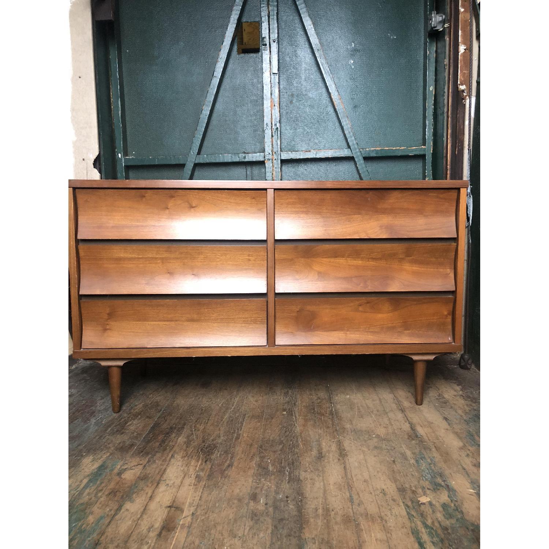 Johnson Carper Mid Century Six Drawer Dresser - image-11
