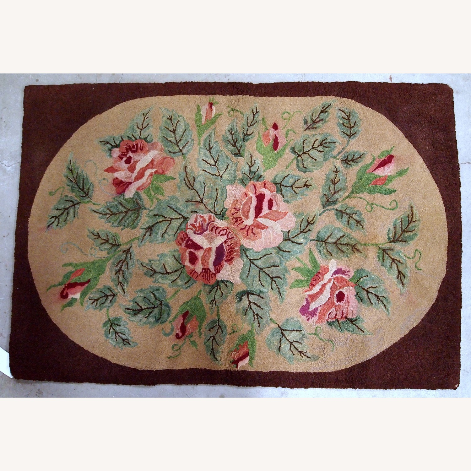Handmade Antique American Hooked Rug - image-7