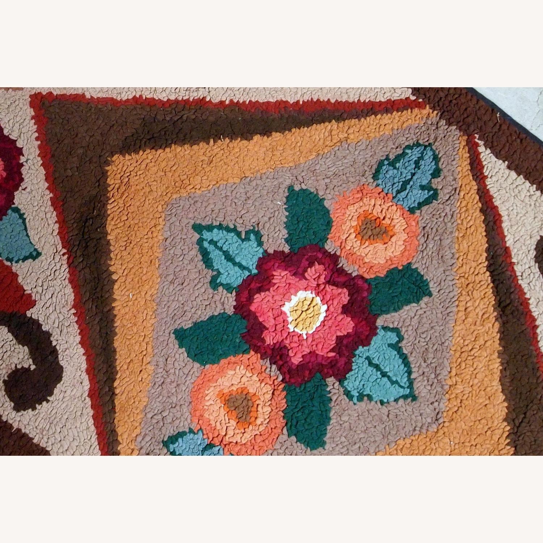 Handmade Antique American Hooked Rug - image-5
