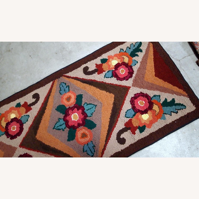Handmade Antique American Hooked Rug - image-7