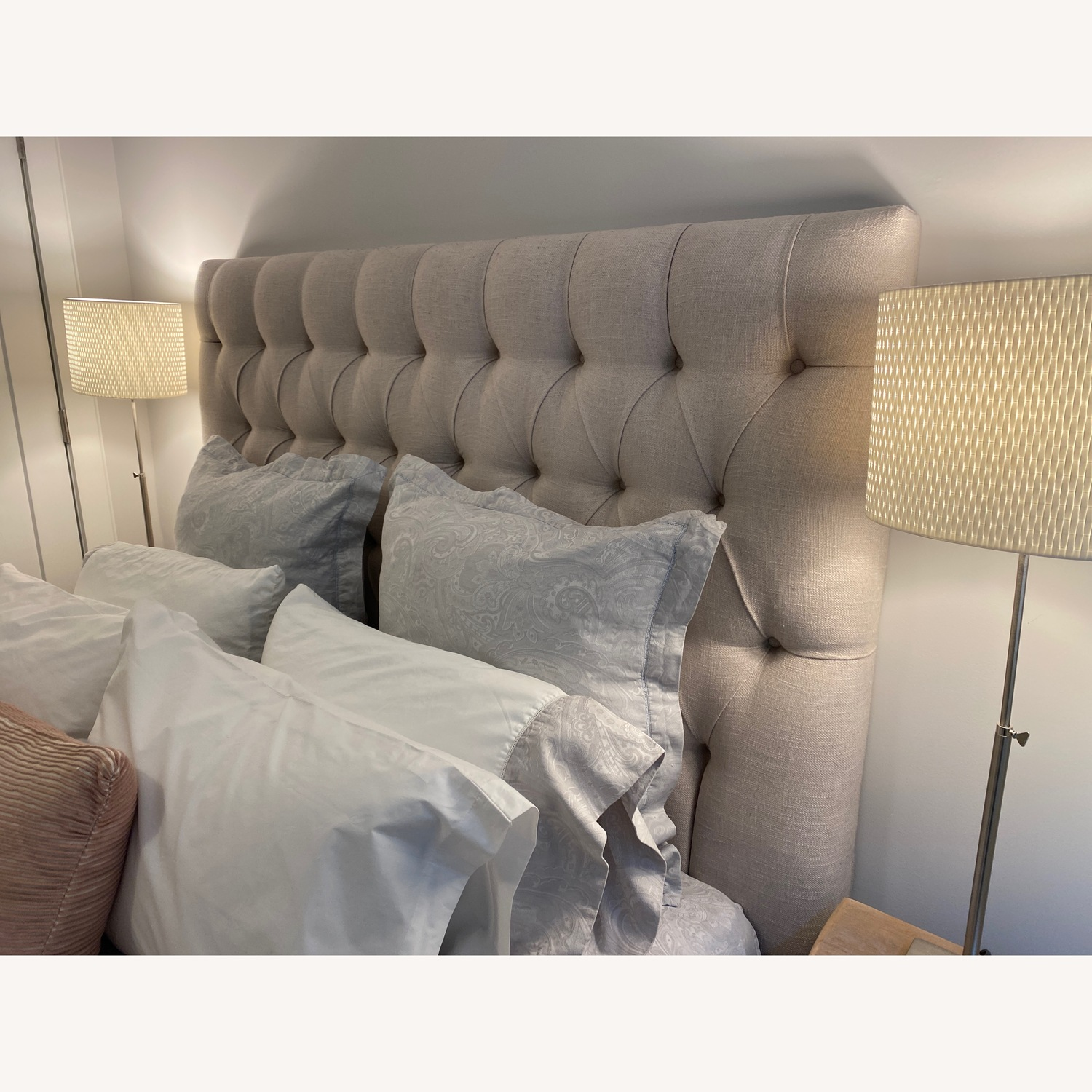 The White Company Queen Bed