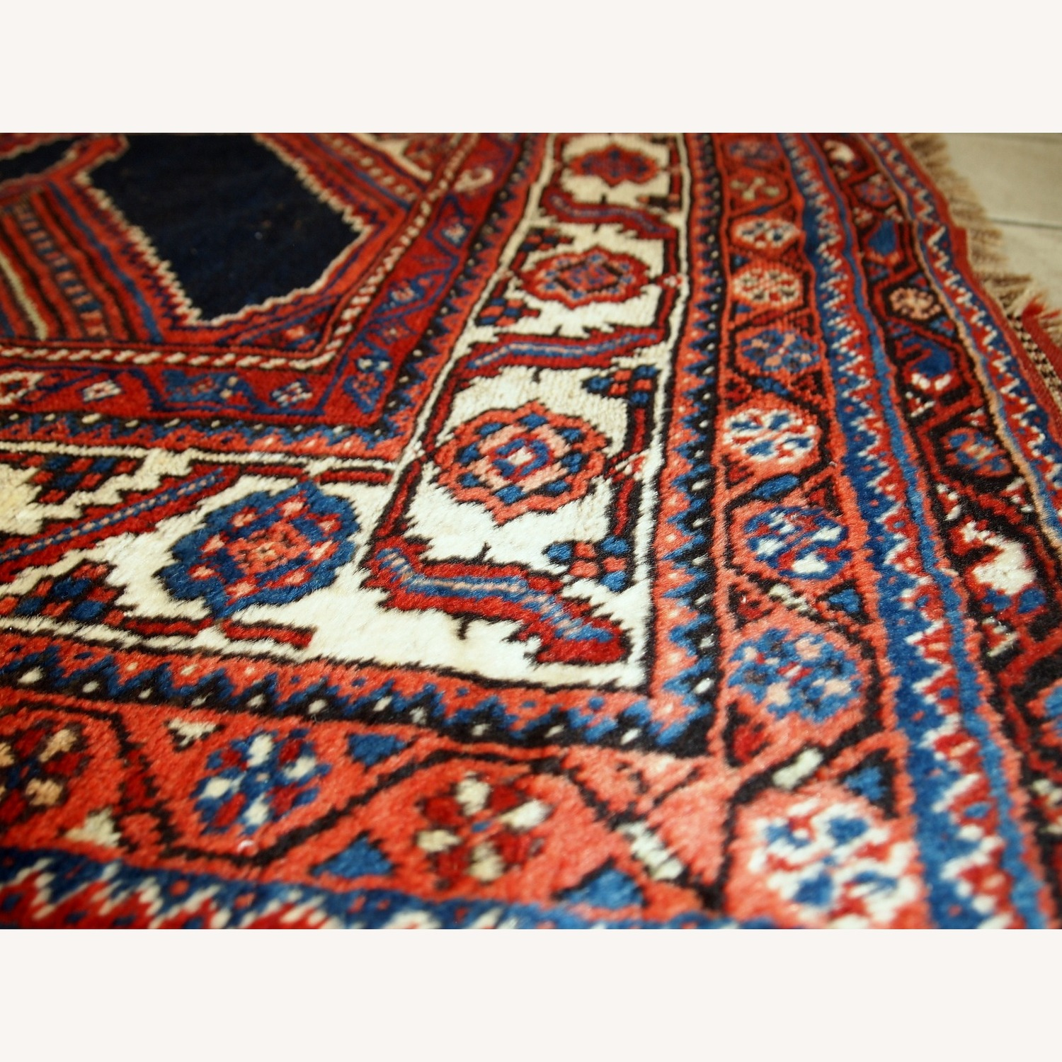 Handmade Antique Distressed Persian Shiraz Rug - image-9