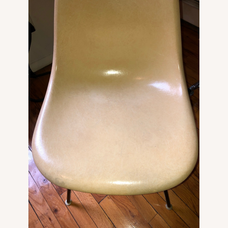 Herman Miller Eames Vintage Fiberglass Side Shell Chair - image-1