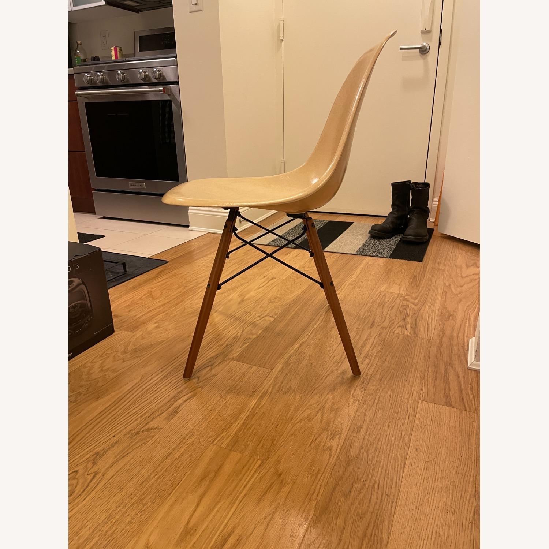 Herman Miller Eames Vintage Fiberglass Side Shell Chair - image-10