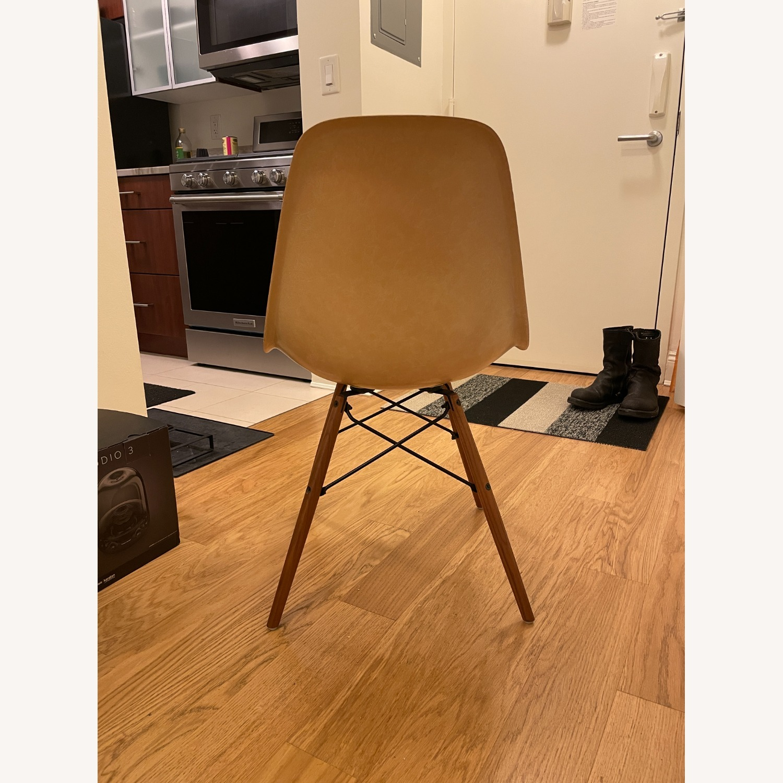Herman Miller Eames Vintage Fiberglass Side Shell Chair - image-11