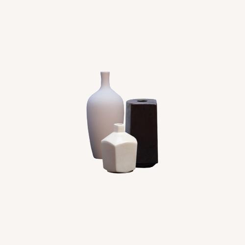 Used Blueground Ceramic Accessories Set for sale on AptDeco