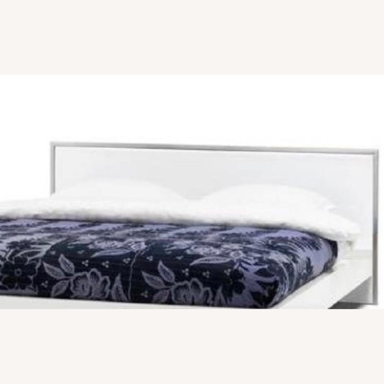 BoConcept Modern White Queen Storage Bed - image-2