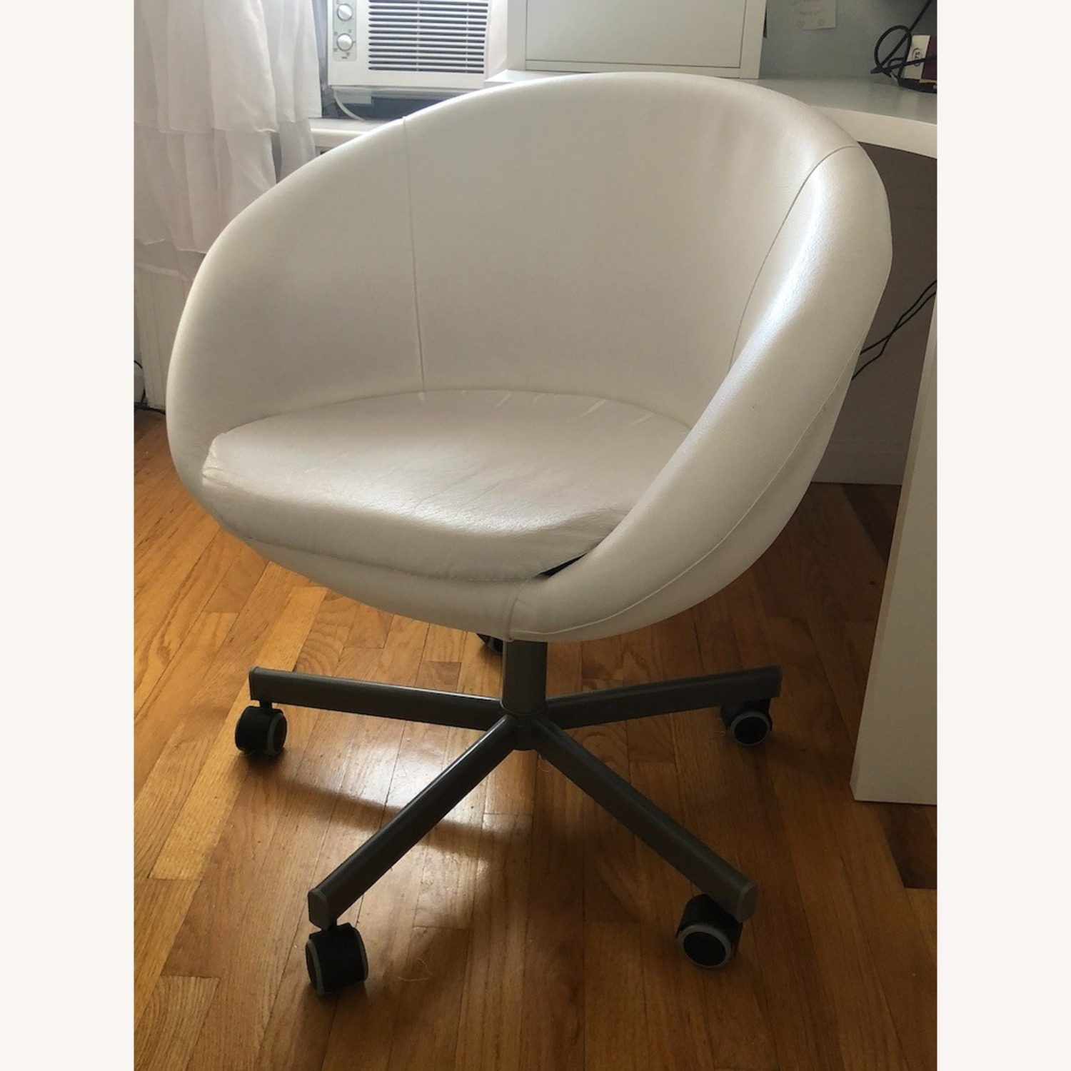IKEA SKRUVSTA Swivel Chair - image-3
