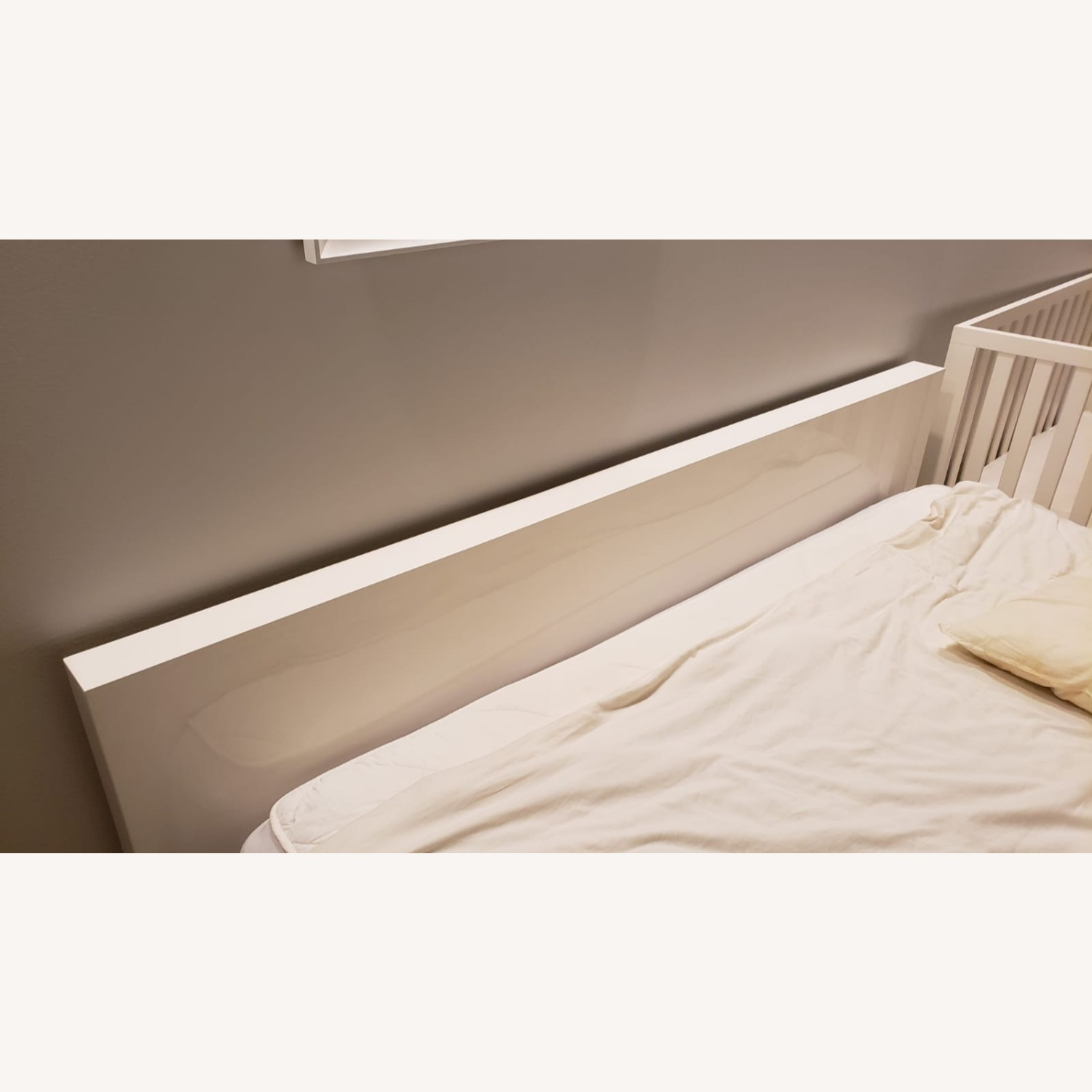 Glossy Queen Bed - image-3