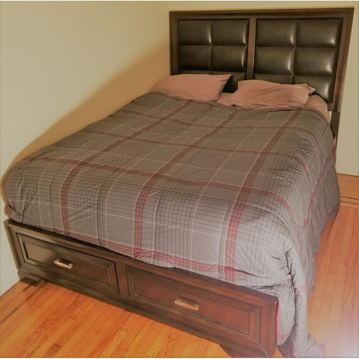 Raymour & Flanigan Levine Queen Storage Bed - image-5
