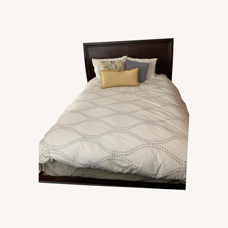 Rooms To Go Dark Wood Platform Queen Bed - image-0