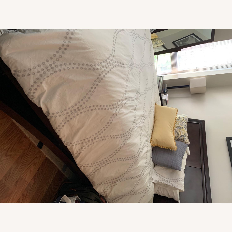 Rooms To Go Dark Wood Platform Queen Bed - image-1