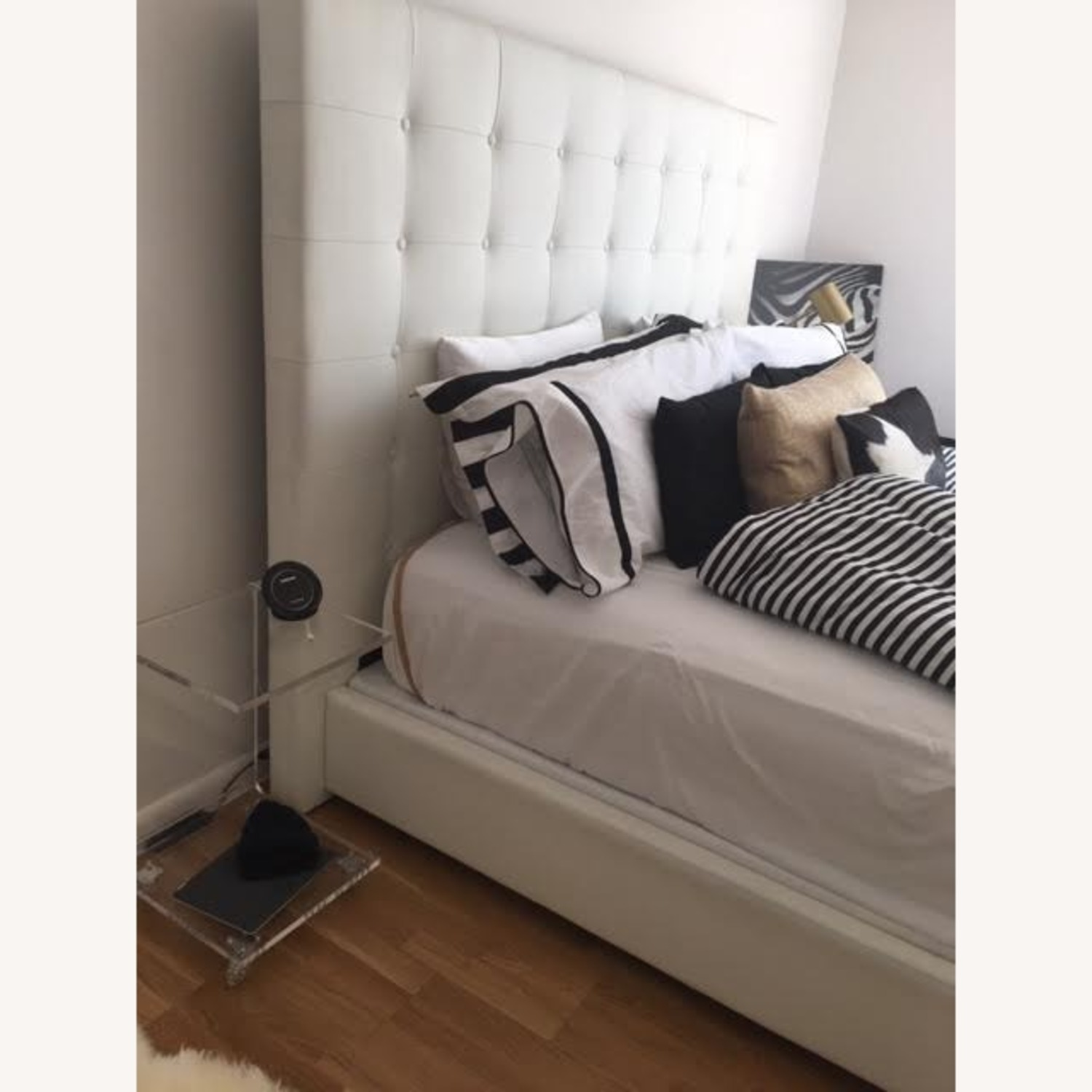 DG White Leather King Bed - image-1