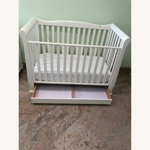 Used Bellini Alexander Convertible Crib for sale on AptDeco