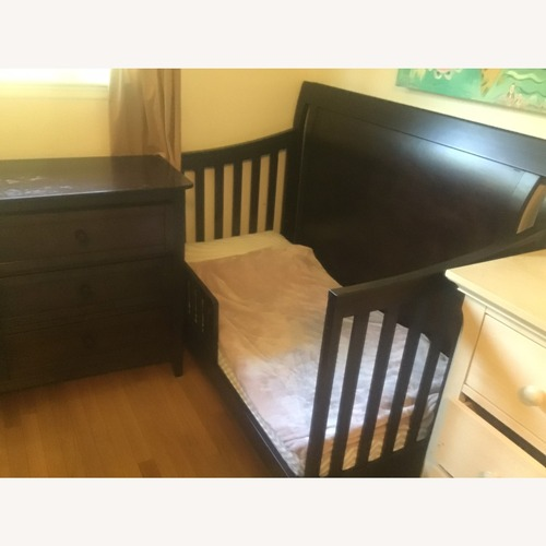 Used Wayfair Simmons Slumber Time 4-in-1 Convertible Crib for sale on AptDeco