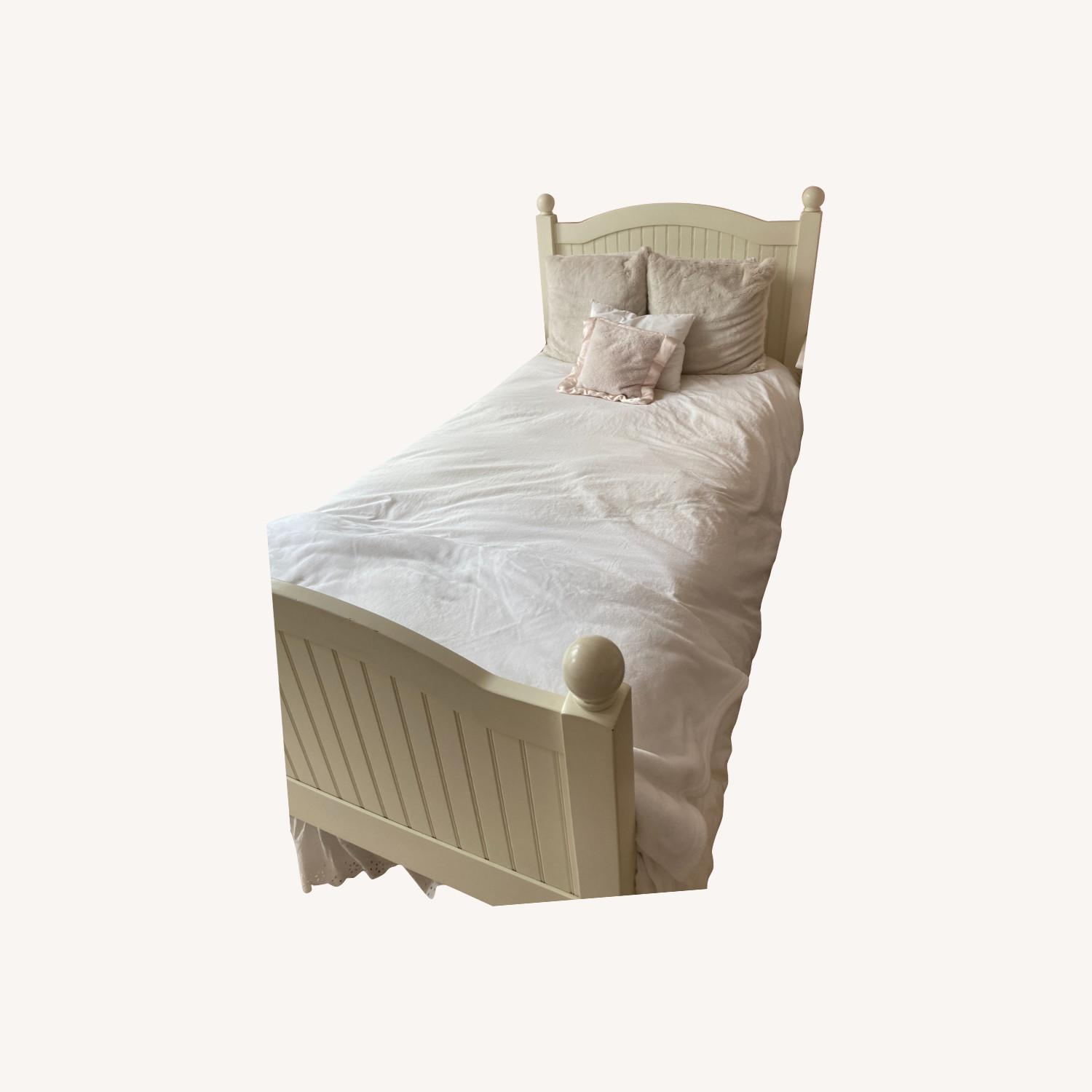 Pottery Barn Kids Catalina Bed, Twin, Simply White - image-0