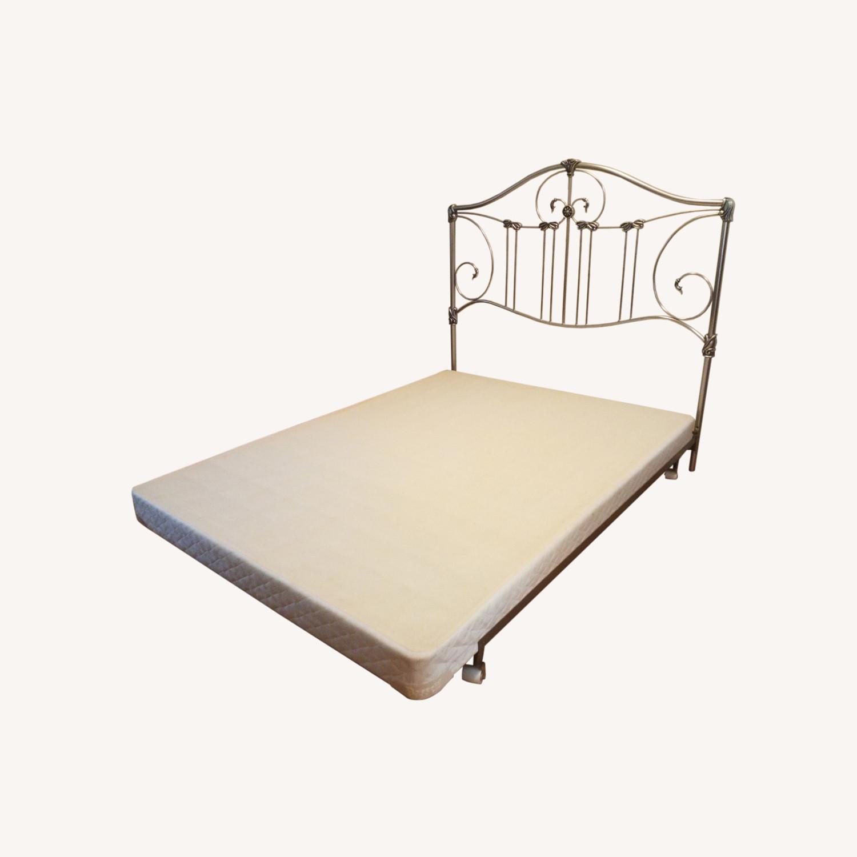 Bassett Queen Size Bed W Metal Headboard - image-0