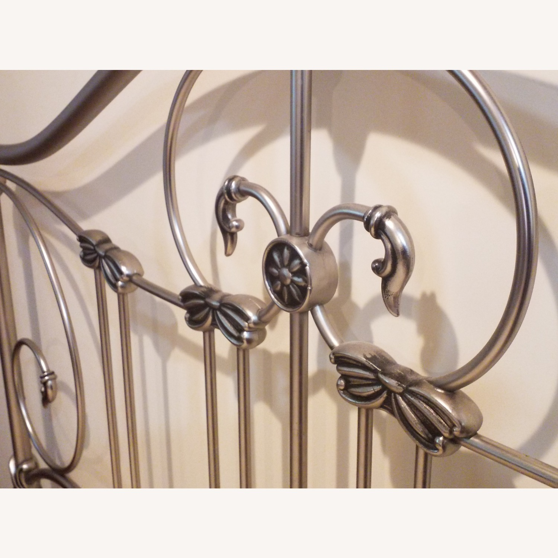 Bassett Queen Size Bed W Metal Headboard - image-3