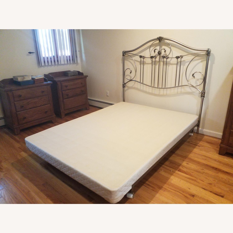 Bassett Queen Size Bed W Metal Headboard - image-1