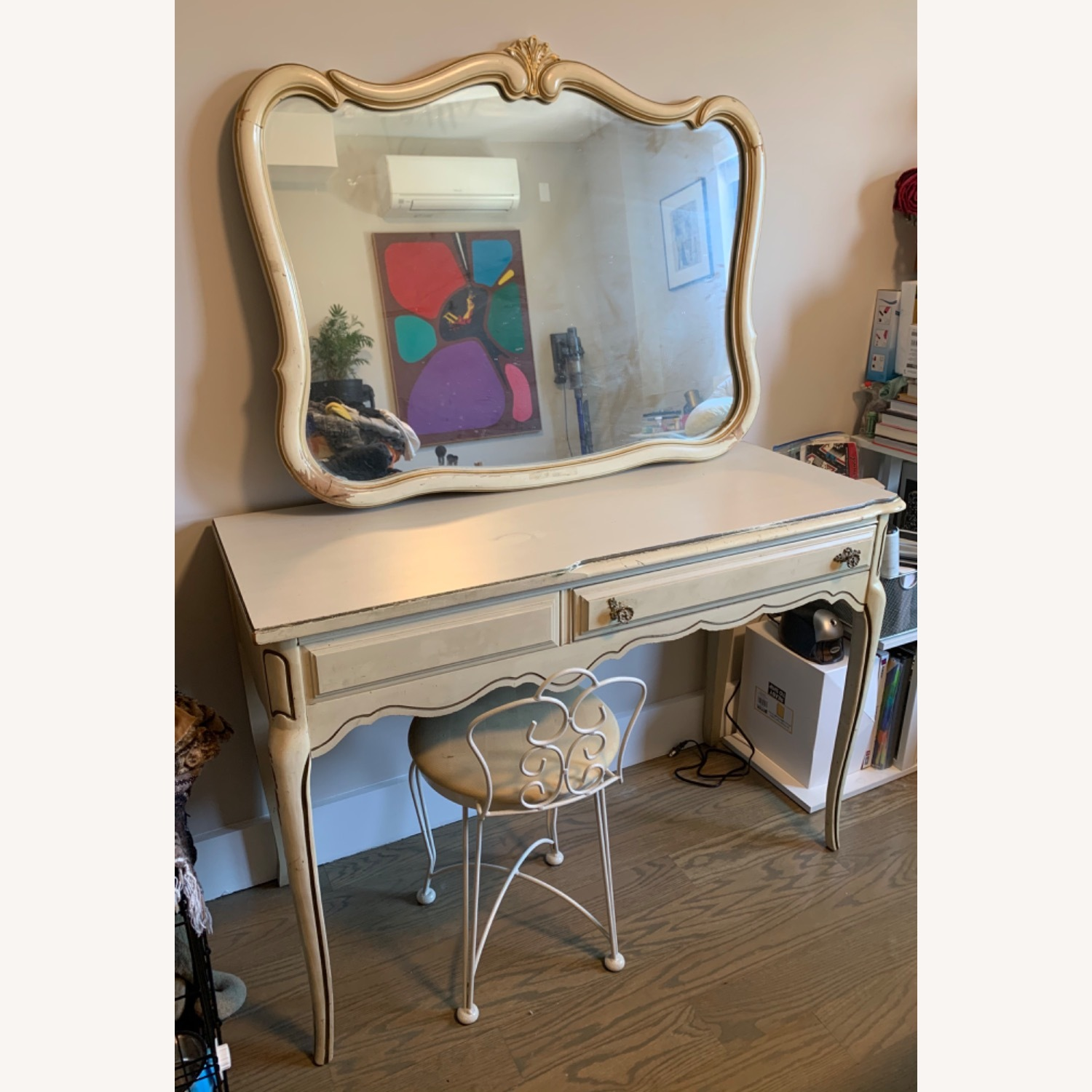 Vintage Vanity Desk With Mirror And Small Chair Aptdeco