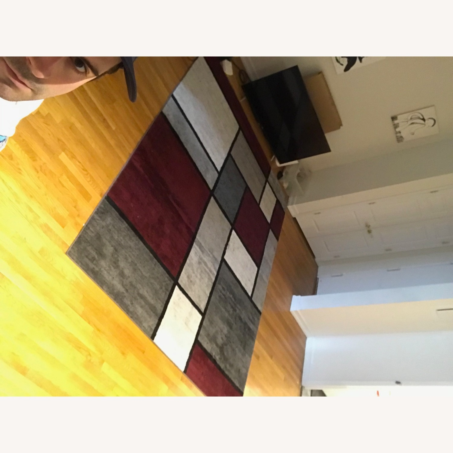 8' x 10' Red White and Grey Area Rug w Rug Pad - image-15