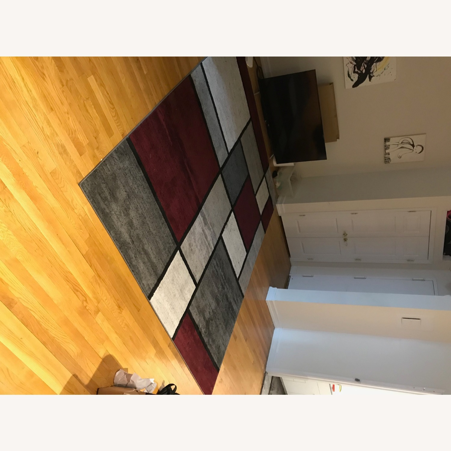 8' x 10' Red White and Grey Area Rug w Rug Pad - image-17