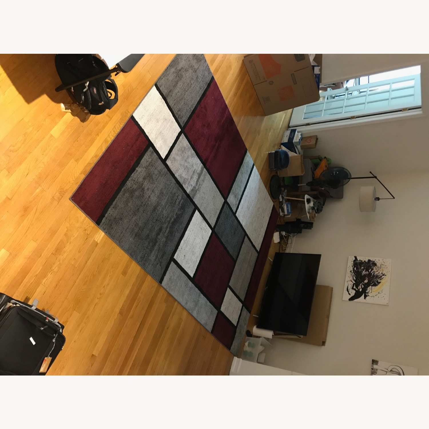 8' x 10' Red White and Grey Area Rug w Rug Pad - image-11