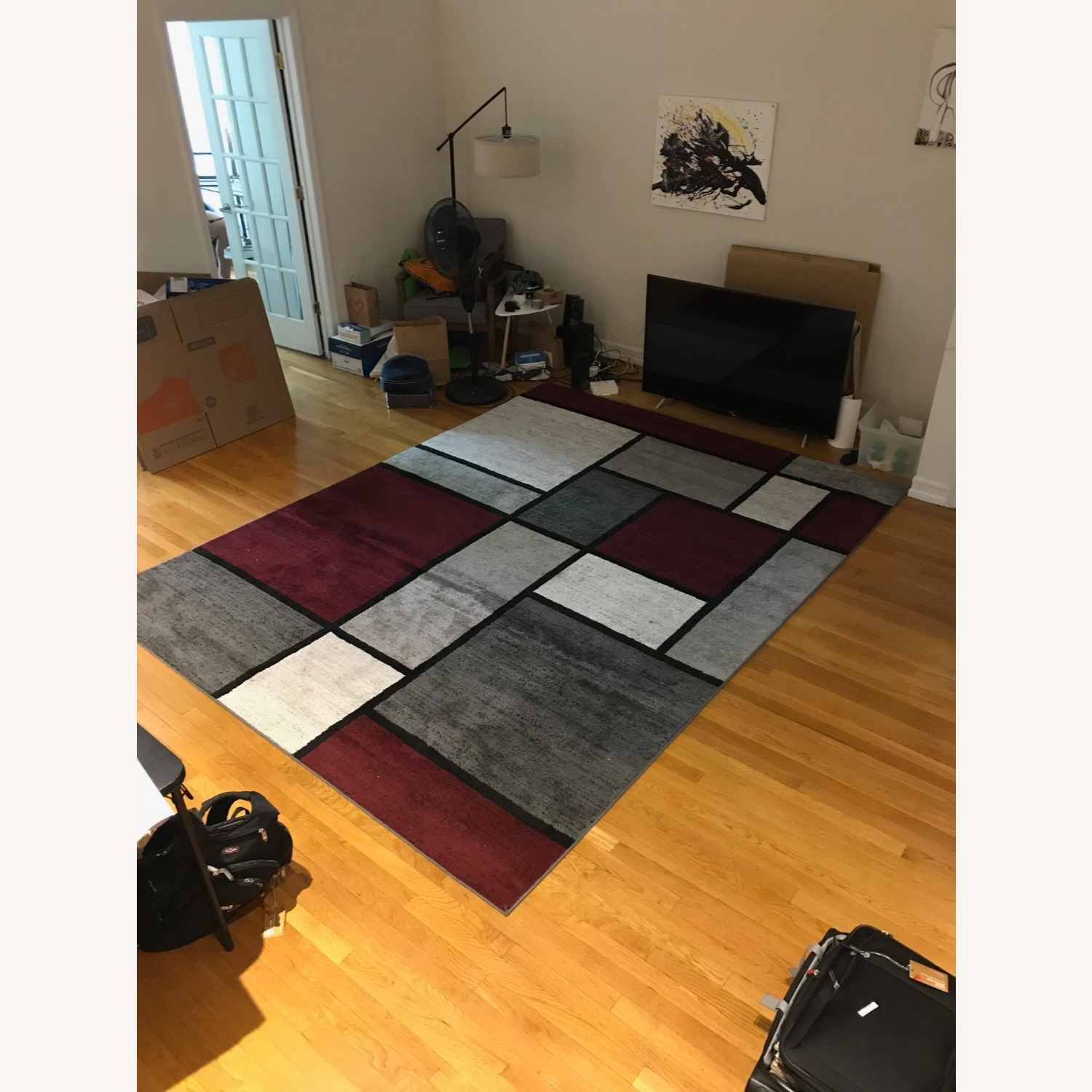 8' x 10' Red White and Grey Area Rug w Rug Pad - image-4