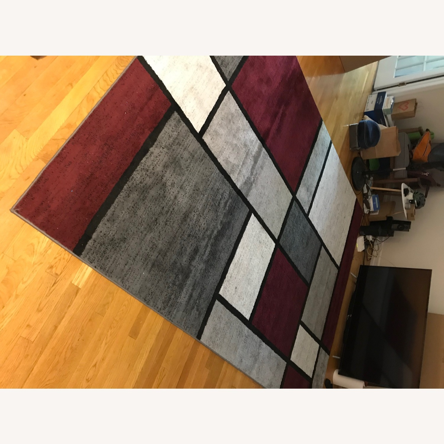 8' x 10' Red White and Grey Area Rug w Rug Pad - image-12