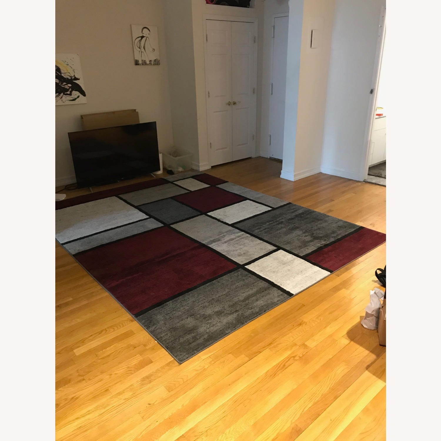 8' x 10' Red White and Grey Area Rug w Rug Pad - image-3