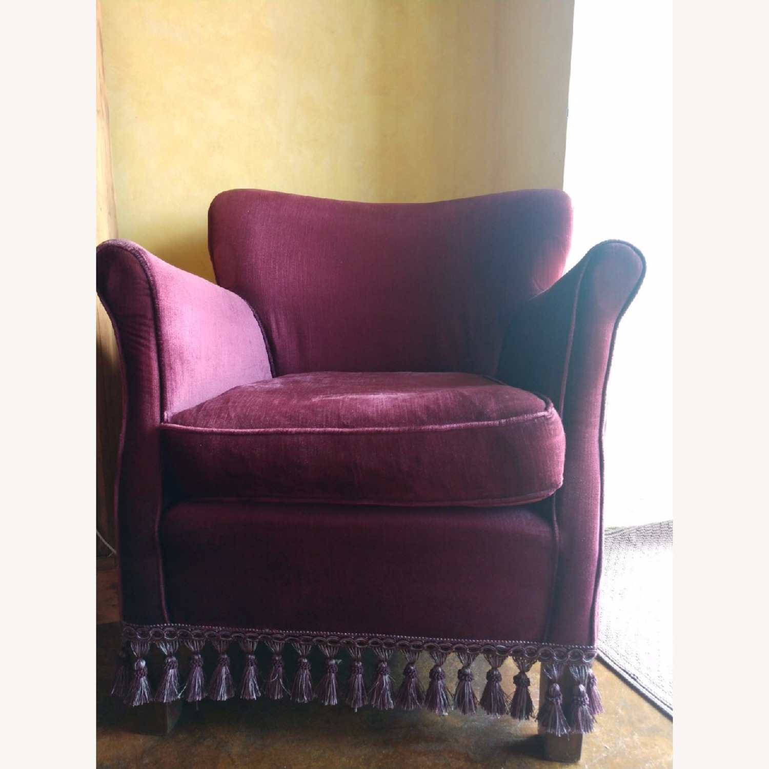 Set of two Velvet Armchairs - image-1