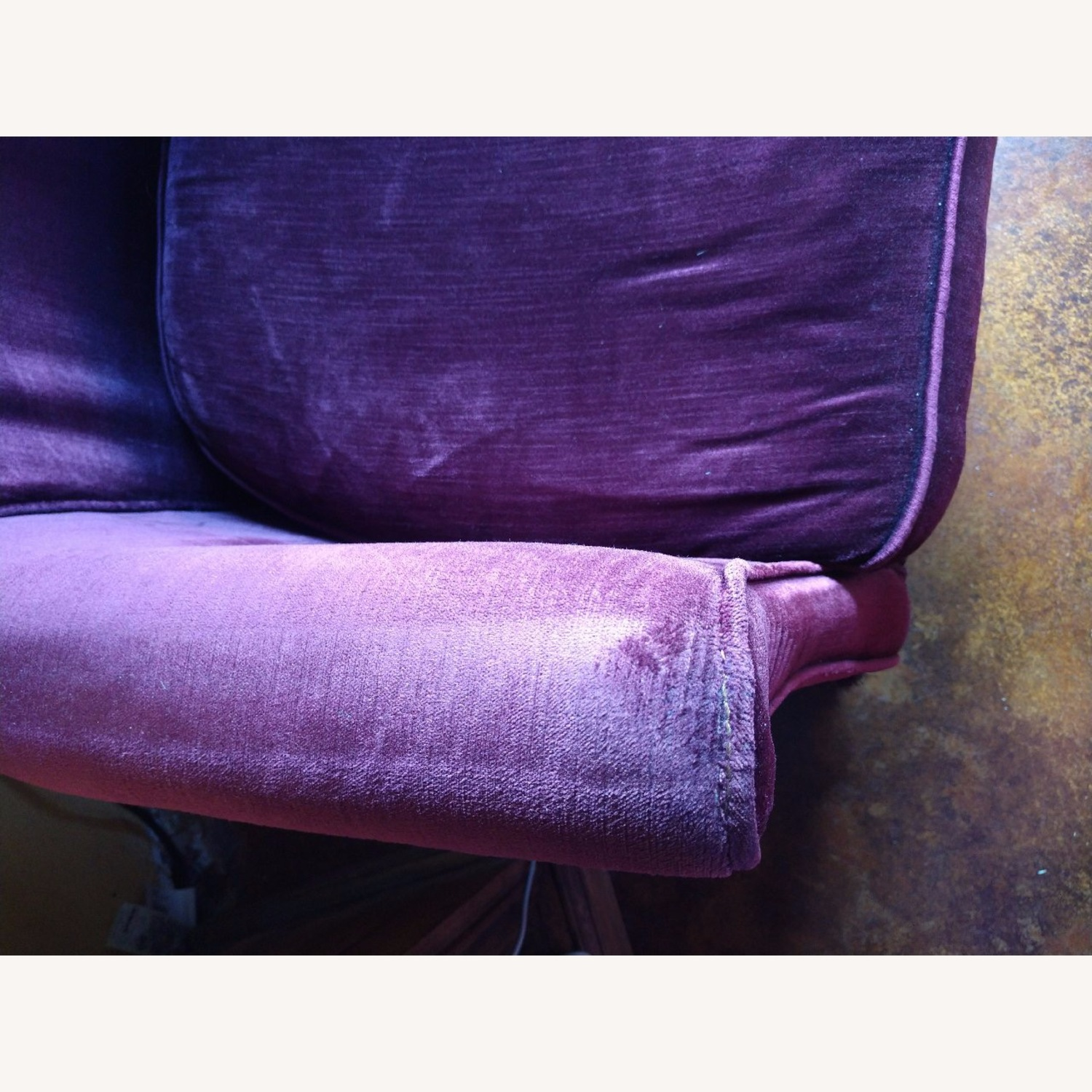Set of two Velvet Armchairs - image-4