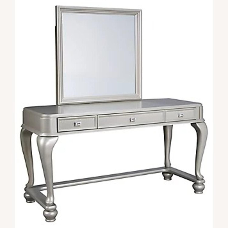 Ashley Furniture Coralayne Vanity with Seat - image-3